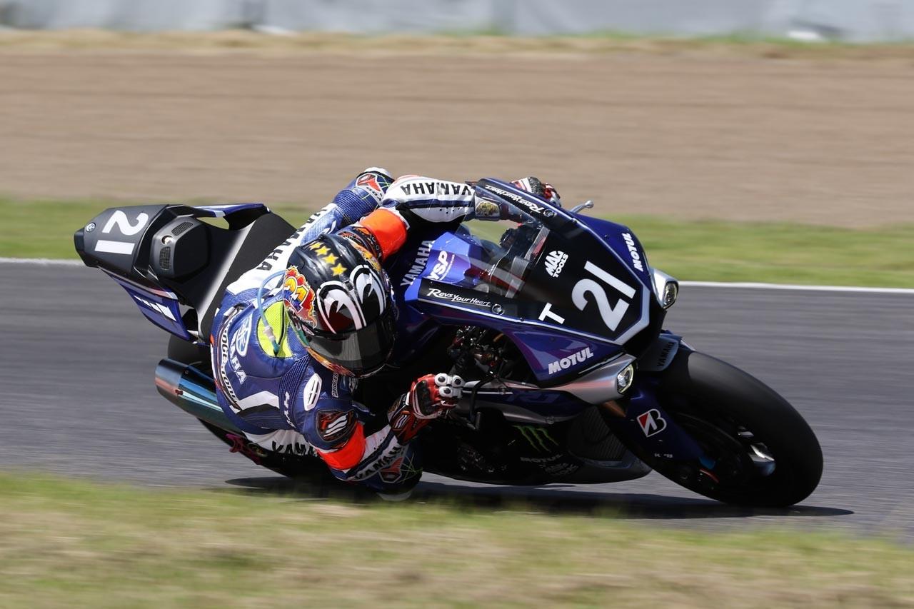 鈴鹿2&4でNGK搭載マシンの特別展示開催。フェラーリF1、MotoGPマシンが登場