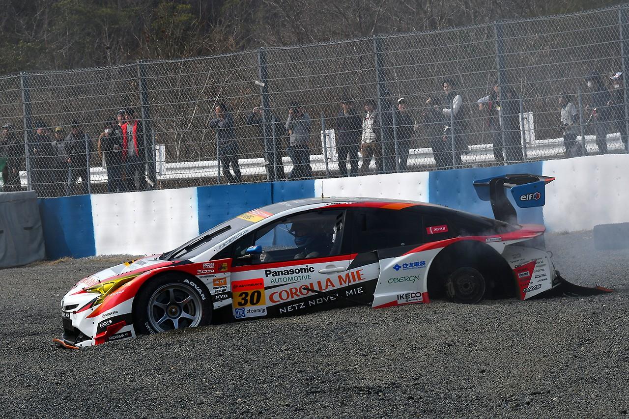 スーパーGT岡山公式テスト:ZENTが最速でテスト終えるも、最後にクラッシュを喫する