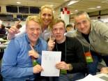 テスト2日目の2月28日にライコネンが初テストでいきなりトップタイムをマークしてメディアセンターで大喜びのフィンランドTV「MTV」のスタッフ