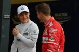 2017年第1戦オーストラリアGP バルテリ・ボッタス(メルセデス)とセバスチャン・ベッテル(フェラーリ)