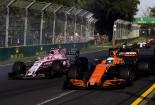2017年第1戦オーストラリアGP エステバン・オコン(フォース・インディア)とフェルナンド・アロンソ(マクラーレン・ホンダ)