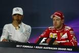 2017年F1開幕戦オーストラリアGP 優勝したセバスチャン・ベッテルと2位のルイス・ハミルトン