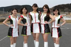 左から、小宮麻友さん、津田友美さん、上田綾さん、オリビアさん、廣原佳乃さん