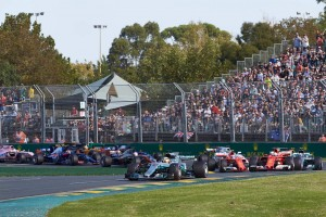 2017年F1開幕戦オーストラリアGP スタート直後の1コーナー