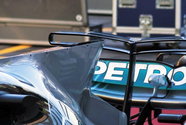 F1 | 【津川哲夫の私的F1メカ】シャークフィン&Tウイングの役割とメルセデスの排熱口