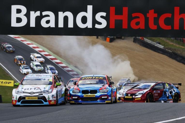 海外レース他 | BTCC:激動の開幕戦はトヨタ・アベンシスが制覇! ホンダ、BMWも勝利
