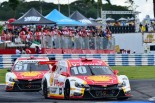 開幕戦のレース2をワン・ツーで制したシェルVパワー・レーシングの2台