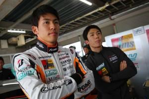 2017スーパーGT第1戦岡山 JMS P.MU LMcorsa RC F GT3の中山雄一と坪井翔