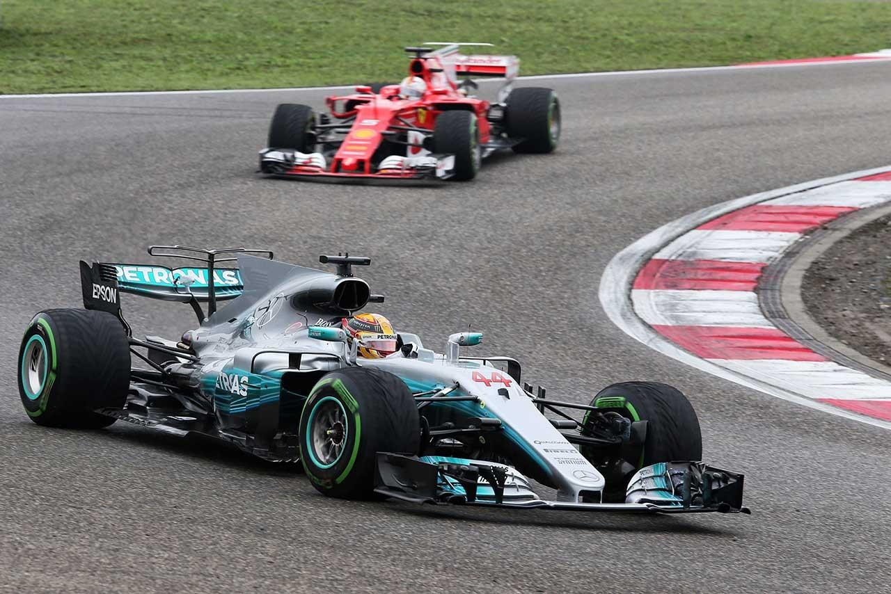 F1中国GPで優勝したルイス・ハミルトン