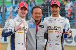 スーパーGT第1戦岡山のGT500クラスを制したニック・キャシディ(左)と平川亮(右)