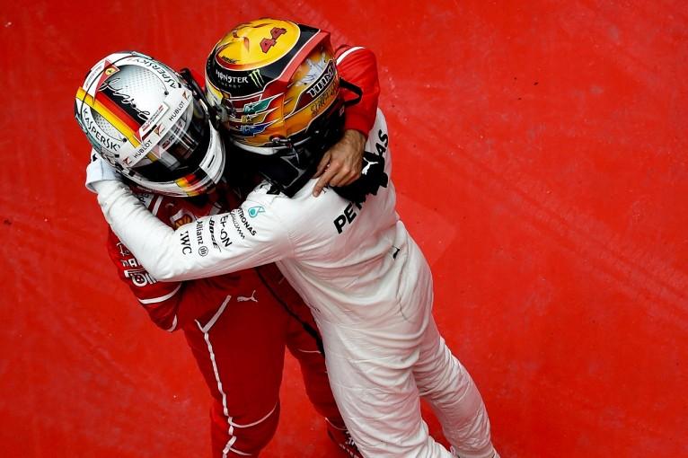 F1   ベッテル「SCのタイミングがついてなかったが、本当に楽しいバトルができた!」:フェラーリ F1中国日曜