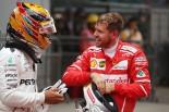 F1中国GPで優勝したルイス・ハミルトンと2位のセバスチャン・ベッテル