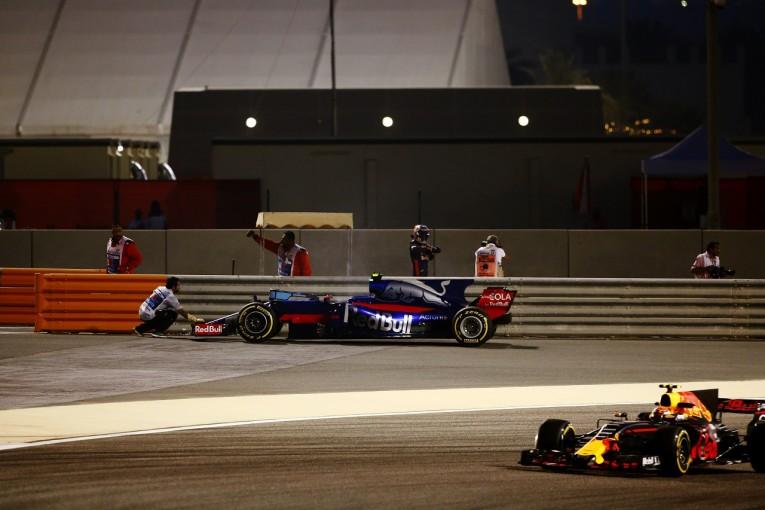 F1 | サインツ「エキゾーストトラブルでストップ。重要なFP2で走れず」:トロロッソ F1バーレーンGP金曜