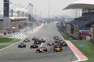 F2第1戦決勝レース1のスタートではポールのルクレールがトップを守る中、4番手スタートのナトが2番手に躍進。