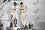 2017年第3戦バーレーン ルイス・ハミルトンとバルテリ・ボッタス(メルセデス)
