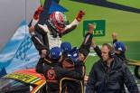 勝利を喜ぶクリアウォーター・レーシングの面々 2017年WEC第1戦シルバーストン