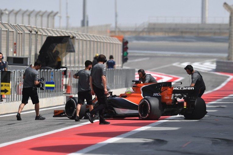 F1 | ホンダF1、バーレーンテストでもERSに水漏れが発生。新スペックの開発が阻害