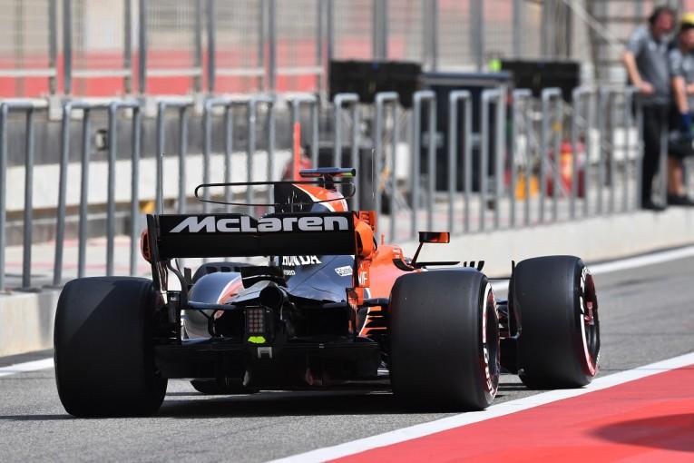 F1 | マクラーレンF1「走行開始直後にPUトラブル。原因は不明、ホンダの報告を待つ」:バーレーンテスト1日目