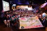 スーパーGT | 勝ったぞ〜! GOODSMILE RACING & Team UKYO、3年ぶりの祝勝会は大盛況に