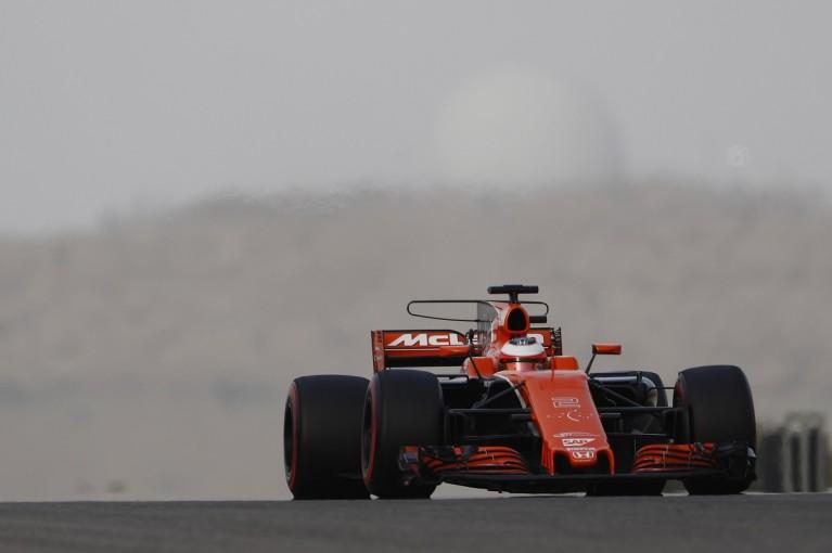 F1   マクラーレン・ホンダF1のバンドーン「今年初のトラブルフリーの日」を喜ぶ。新パーツを順調にテスト