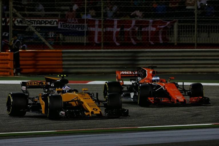 F1 | ルノーF1首脳、2018年のカムバックが噂されているアロンソについてコメント