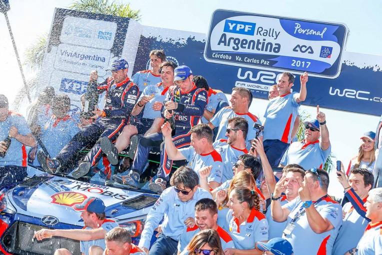 2017WRC第5戦アルゼンティーナ ティエリー・ヌービル(ヒュンダイi20クーペWRC)