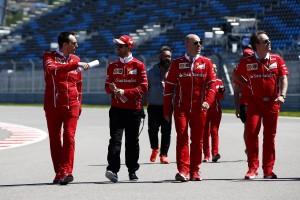 2017年F1ロシアGP木曜 セバスチャン・ベッテルがコース下見