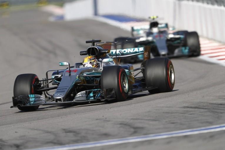 F1 | ハミルトン「実力を隠してなんかいない。タイヤに苦労している」:メルセデス F1ロシアGP金曜