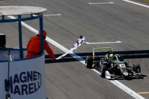 レース1を制したランド・ノリス(カーリン)