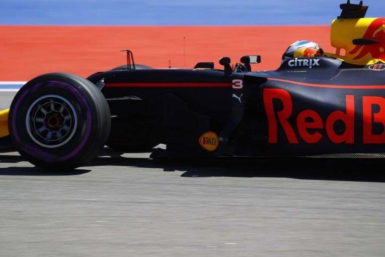 F1   リカルド「課題のウルトラソフトを何とか使いこなしてトップ5に」:レッドブル F1ロシアGP土曜