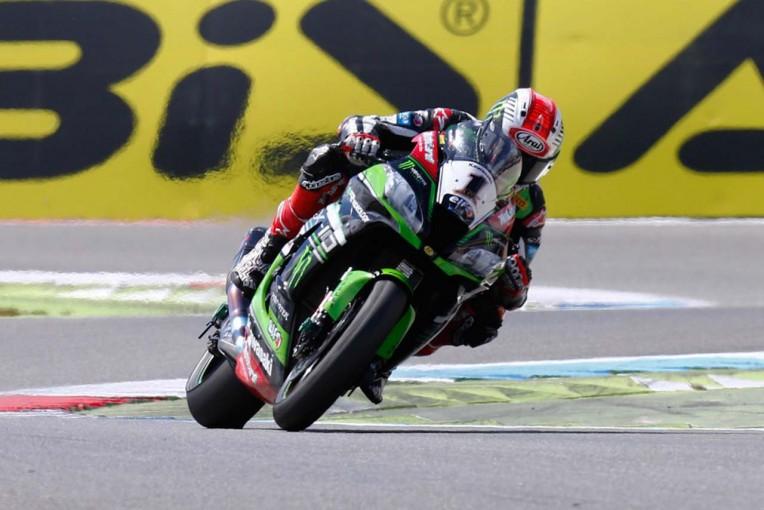 MotoGP   SBK第4戦オランダ レース2/0.025秒差でレイが優勝。今季3度目のダブルウイン達成