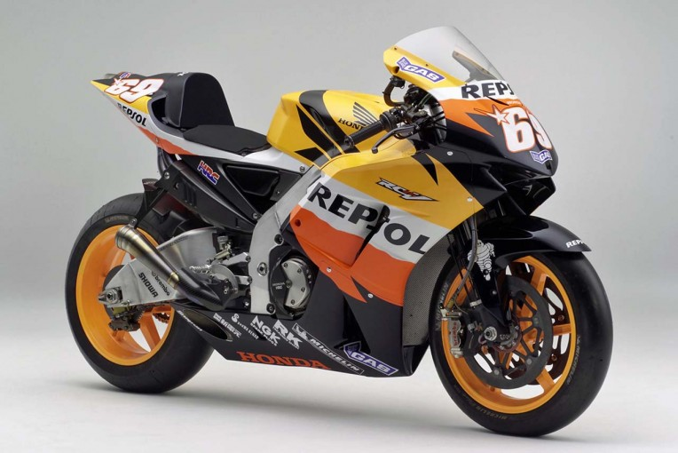 MotoGP | MotoGP:イタリアGPでニッキー・ヘイデンの使用したマシンを追悼展示