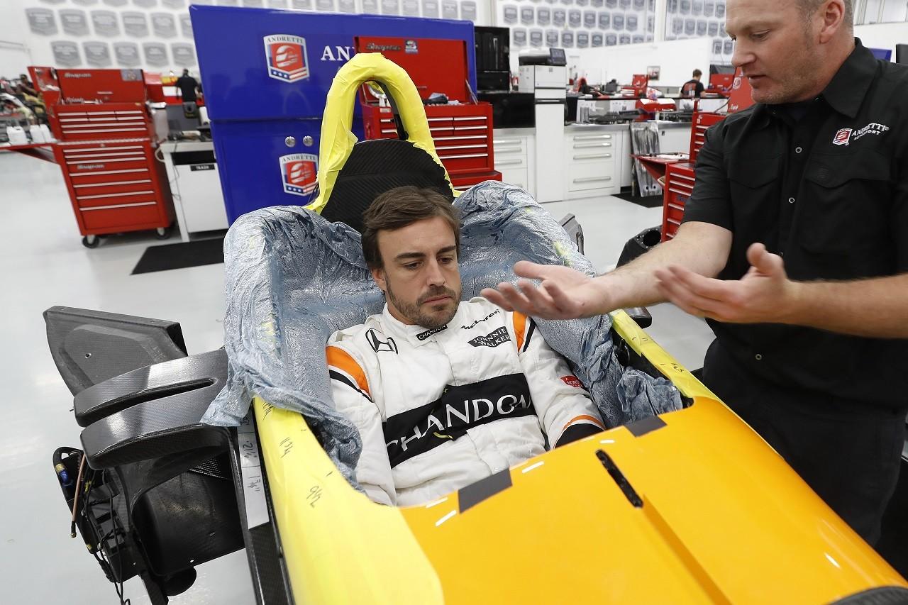 フェルナンド・アロンソ、アンドレッティ・オートスポートでインディ500に備えてシート合わせ