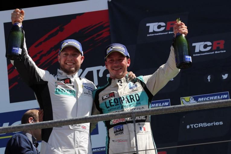海外レース他 | TCRインター:スポット参戦のロブ・ハフ躍動、レパード・レーシングがワン・ツー