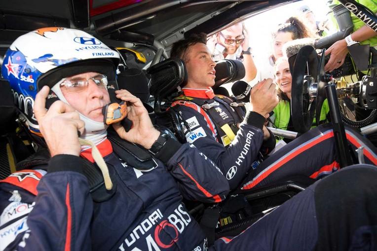 ラリー/WRC   WRC:ヒュンダイ所属の58歳コドライバーが第6戦ポルトガルを負傷欠場