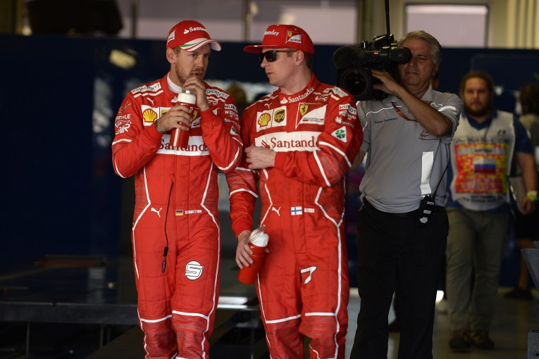 F1 | ベッテル、結果の出ないチームメイトに同情。ライコネンは「改善を続ければ勝てる」と確信