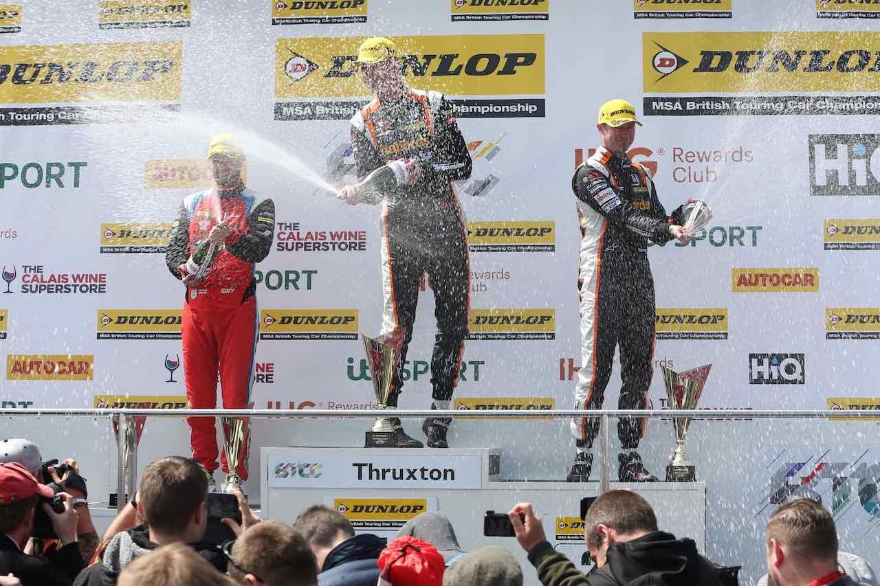 BTCC:第3戦スラクストンはホンダ表彰台独占。マット・ニールが通算60勝目