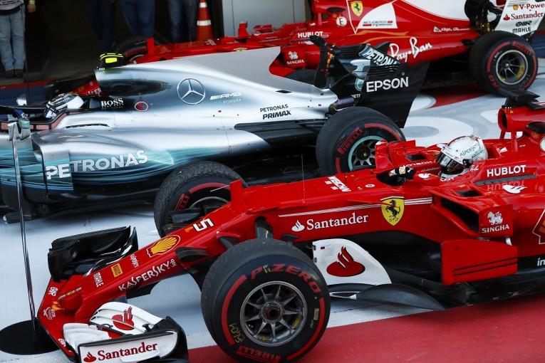 F1   メルセデス対フェラーリのF1タイトル争い「カギになるのはタイヤではなく純粋なマシンの性能」とボッタス