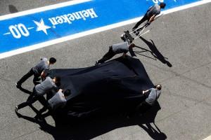 F1スペインGP FP1 エンジンブローしたアロンソのマシン