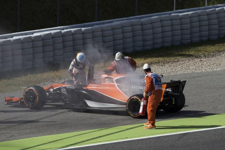 F1   ホンダ「オイル漏れでアロンソのPUを交換。一方でアップデートはうまく機能している」/F1スペインGP金曜
