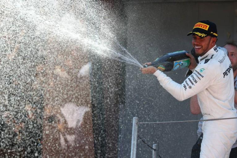 F1 | F1スペインGP決勝:ベッテルとの一騎打ちを制しハミルトンが今季2勝目、アロンソはスタート直後に接触