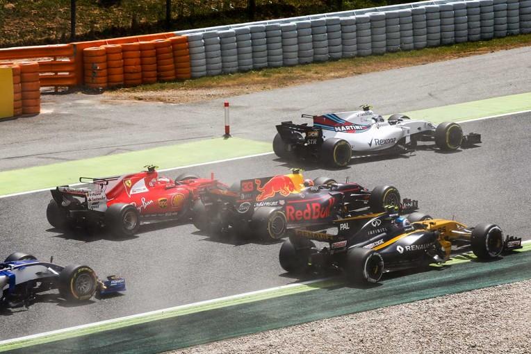 F1 | 【動画】ライコネンとフェルスタッペンが1コーナーでクラッシュ/F1第5戦スペインGP決勝