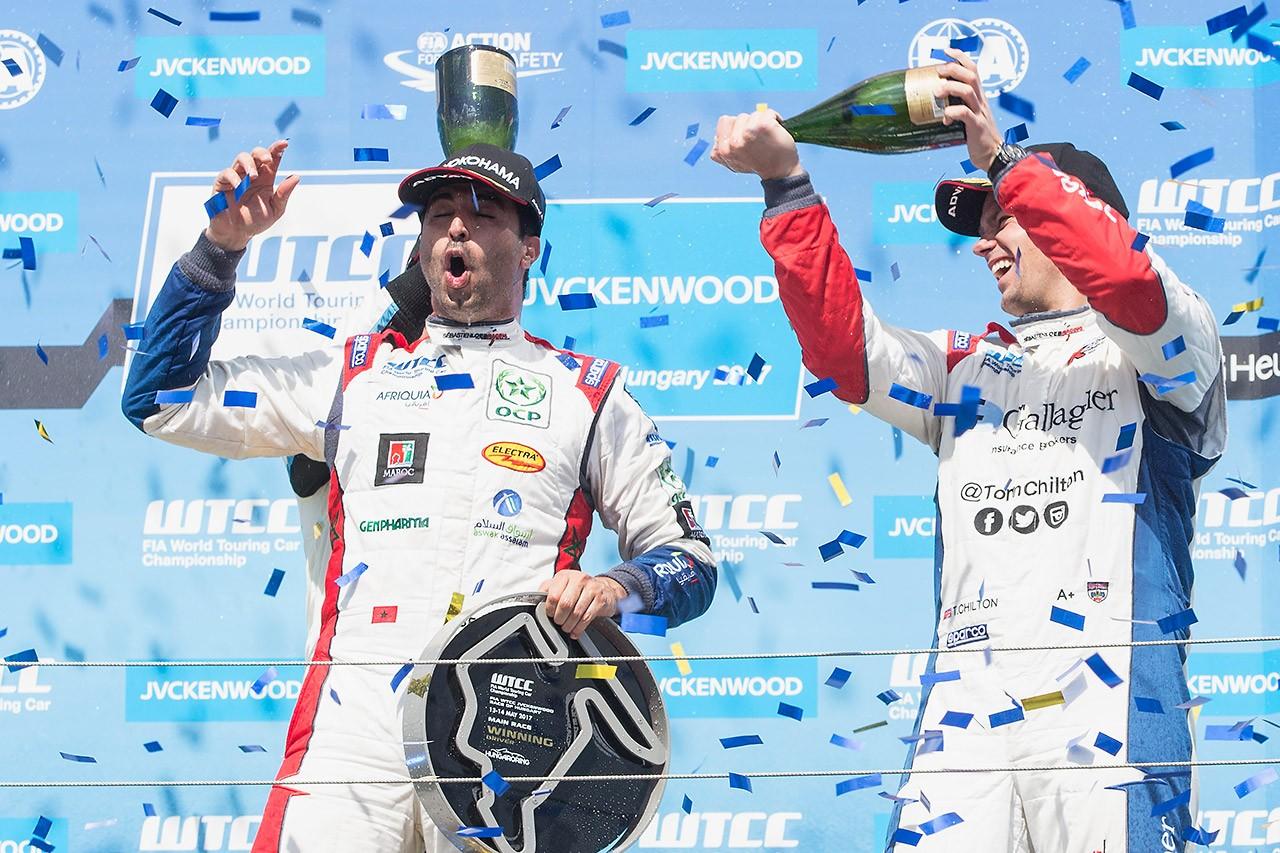 WTCCハンガロリンク:モンテイロ&ベナーニが優勝を飾る