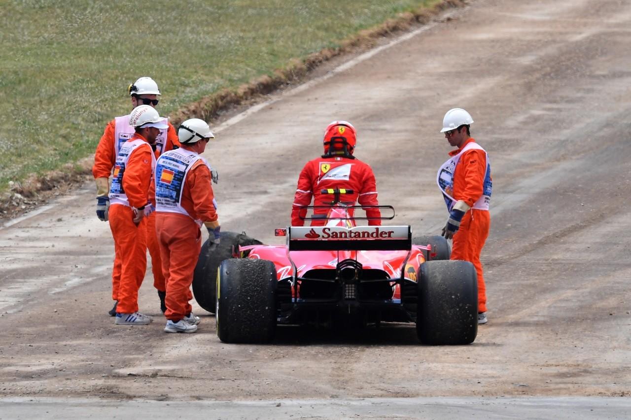 2017年F1第5戦スペインGP キミ・ライコネンが接触、リタイア