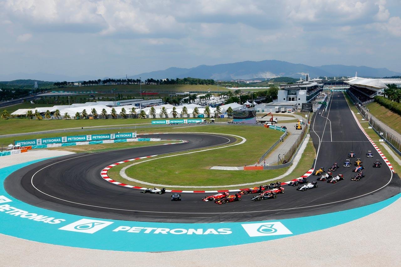 最後のマレーシアGP、開催10回目を迎えるシンガポールGPを満喫する観戦ツアー