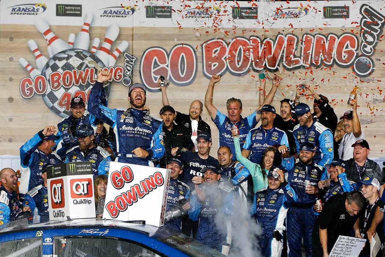 NASCAR第11戦:トゥルークスjr.が優勝。新型トヨタ・カムリに今季2勝目もたらす