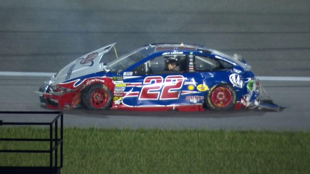 NASCAR第11戦:トヨタ・カムリが今季2勝目。レース中のクラッシュでアルミロラが圧迫骨折