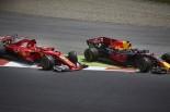 2017年F1第5戦スペインGP スタート直後のアクシデントでキミ・ライコネンとマックス・フェルスタッペンがコースアウト