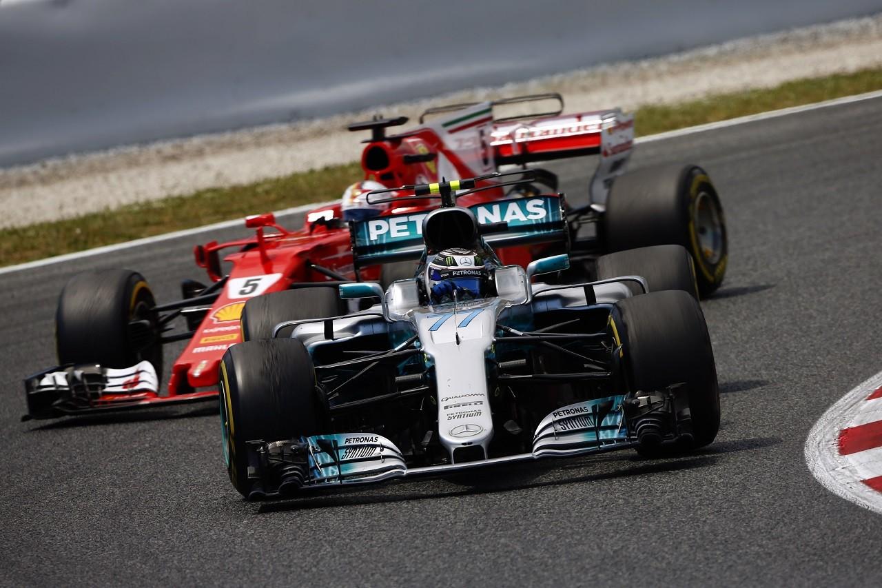 2017年F1第5戦スペインGP バルテリ・ボッタスはセバスチャン・ベッテルの前を走り続け、ルイス・ハミルトンを助けた