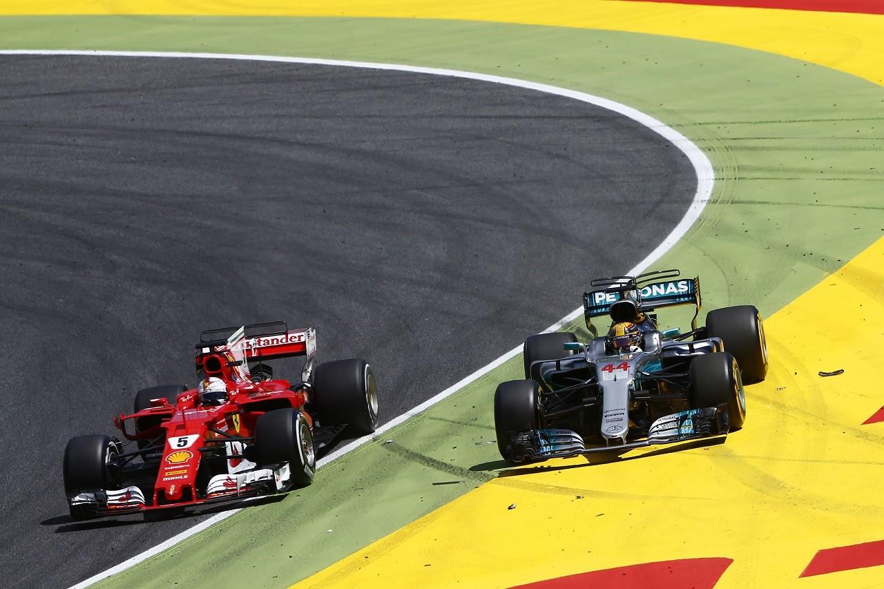 2017年F1第5戦スペインGP ルイス・ハミルトン(メルセデス)とセバスチャン・ベッテル(フェラーリ)